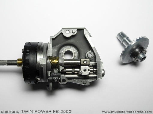 shimano_TWIN_POWER_FB_2500_10